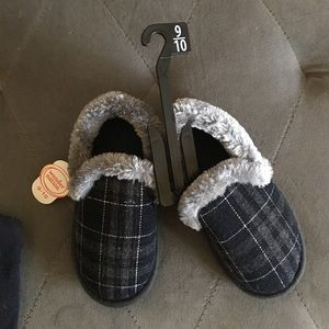 New, Boys, house slippers size. 9/10